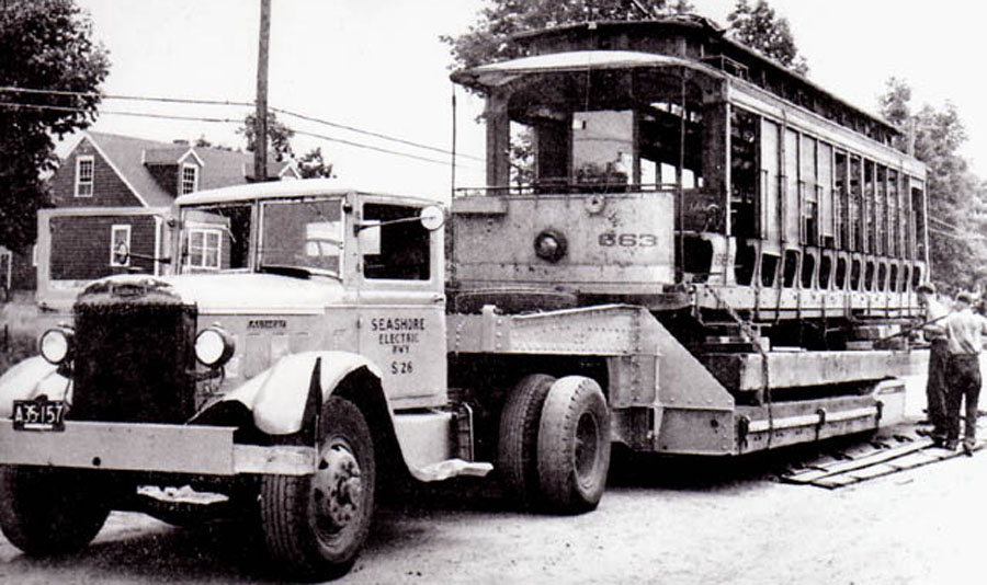 Connecticut Company #663 heading to the trolley museum - July 12, 1948