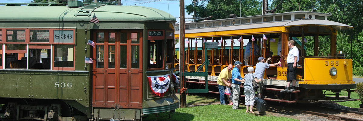 Boarding the trolleys at the Connecticut Trolley Museum
